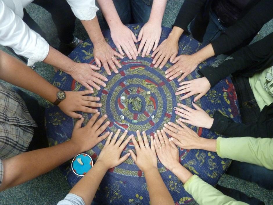 dialogue-circle